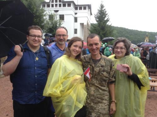 Obirek family meet soldier in the Ukrainian military in Zarvanytsia